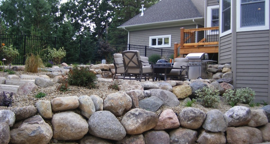 Landscaping Boulders Mn : Boulder retaining wall in minnetonka mn apl landscape solutions