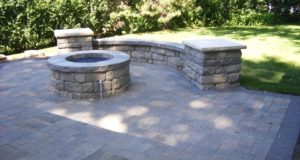 Freestanding sitting wall and pillars, Golden Valley, MN
